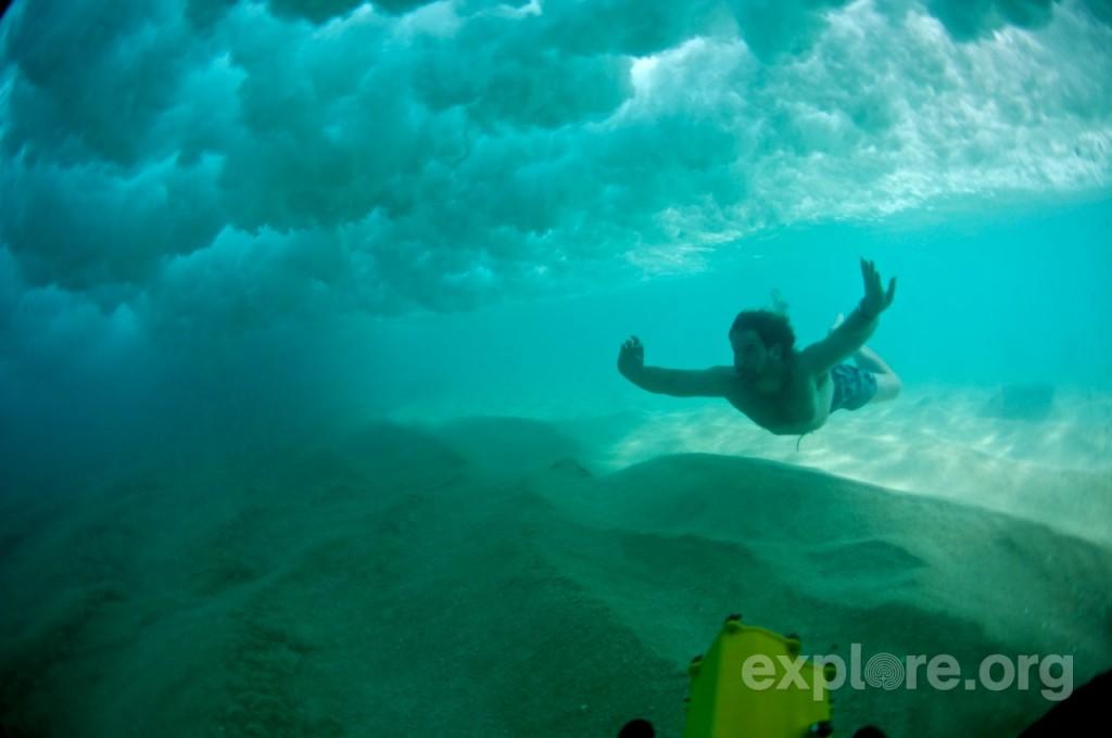 charlie-under-water