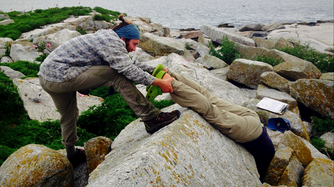 This is how you check a Puffin Burrow.