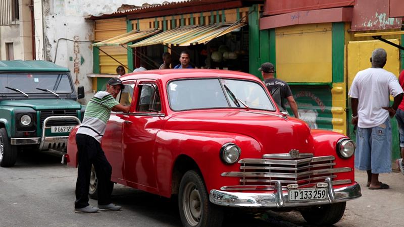 Havana street by Lily Annenberg